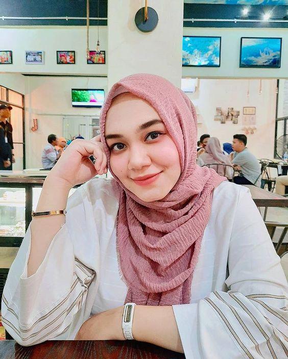 ثلاثينية مسلمة مطلقة لزواج مسيار في قطر ارغب في الاستقرار